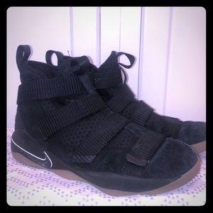 Nike Zoom Lebron James 6.5